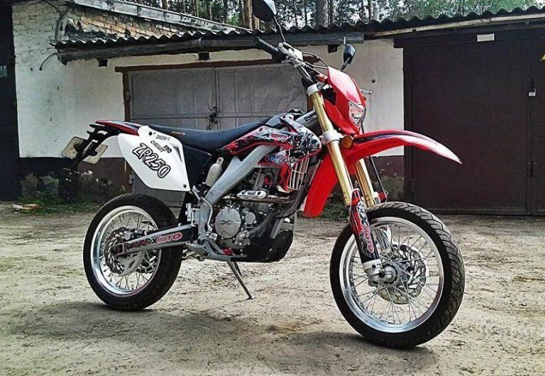 АВМ ZR 250 01