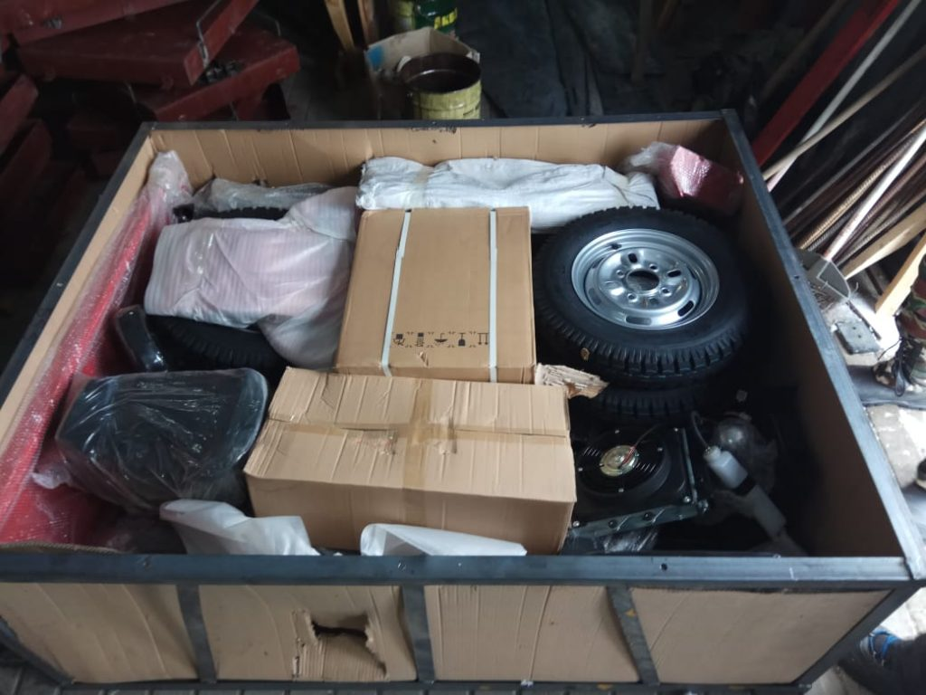 02 Грузовой трицикл в коробке распаковываем 1