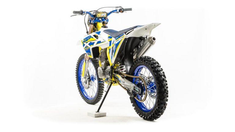 Мотоцикл XT250 ST 02