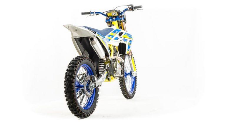 Мотоцикл XT250 ST 03